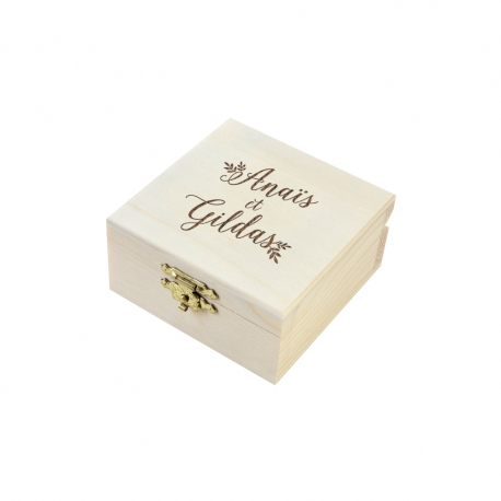 Boîte à alliances gravées avec prénoms, mariage champêtre
