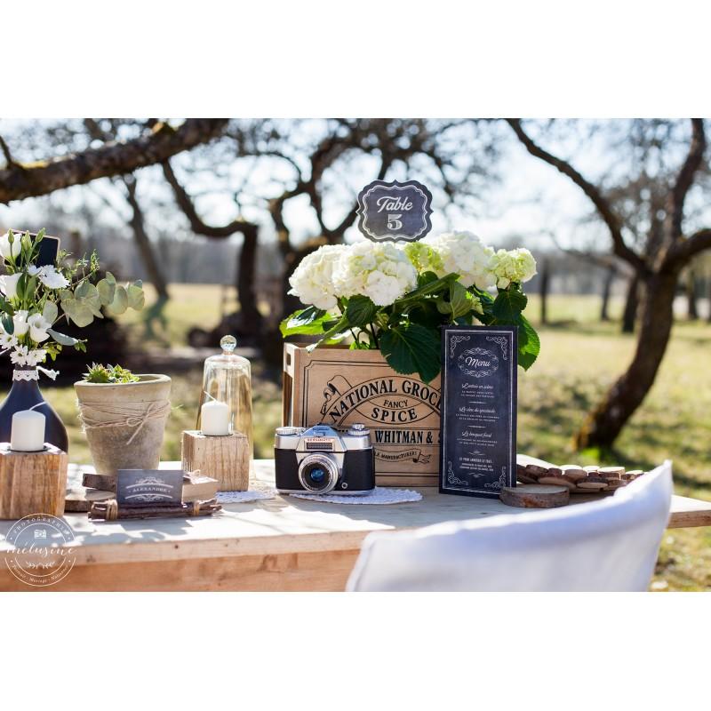 Décorez vos tables de mariage avec une jolie carte de menu retro