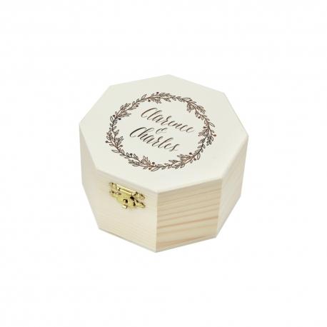 Boite à alliances octogonale en bois, logo de mariés champêtre gravé