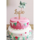 Gâteau anniversaire décoré d'un cake topper en bois prénom