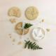 Biscuits mariage personnalisés modèle fougère, emporte-pièce pour sablés