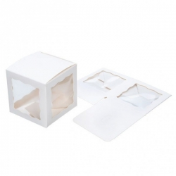 Boîte kraft blanc carrée avec 3 fenêtres transparentes pour cadeaux d'invités